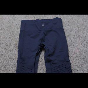 Lululemon grey cropped leggings